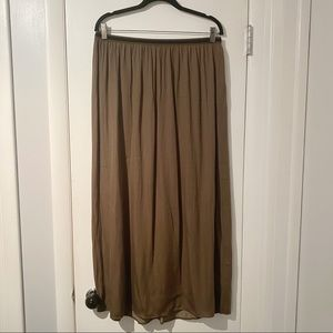 NWOT BOGO Free Old Navy Maxi Skirt
